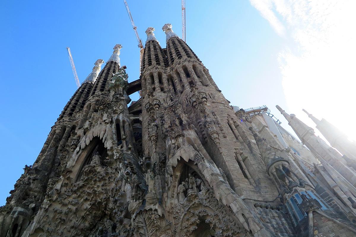 Familia: Gaudí's Barcelona: Sagrada Família & Casa Batlló