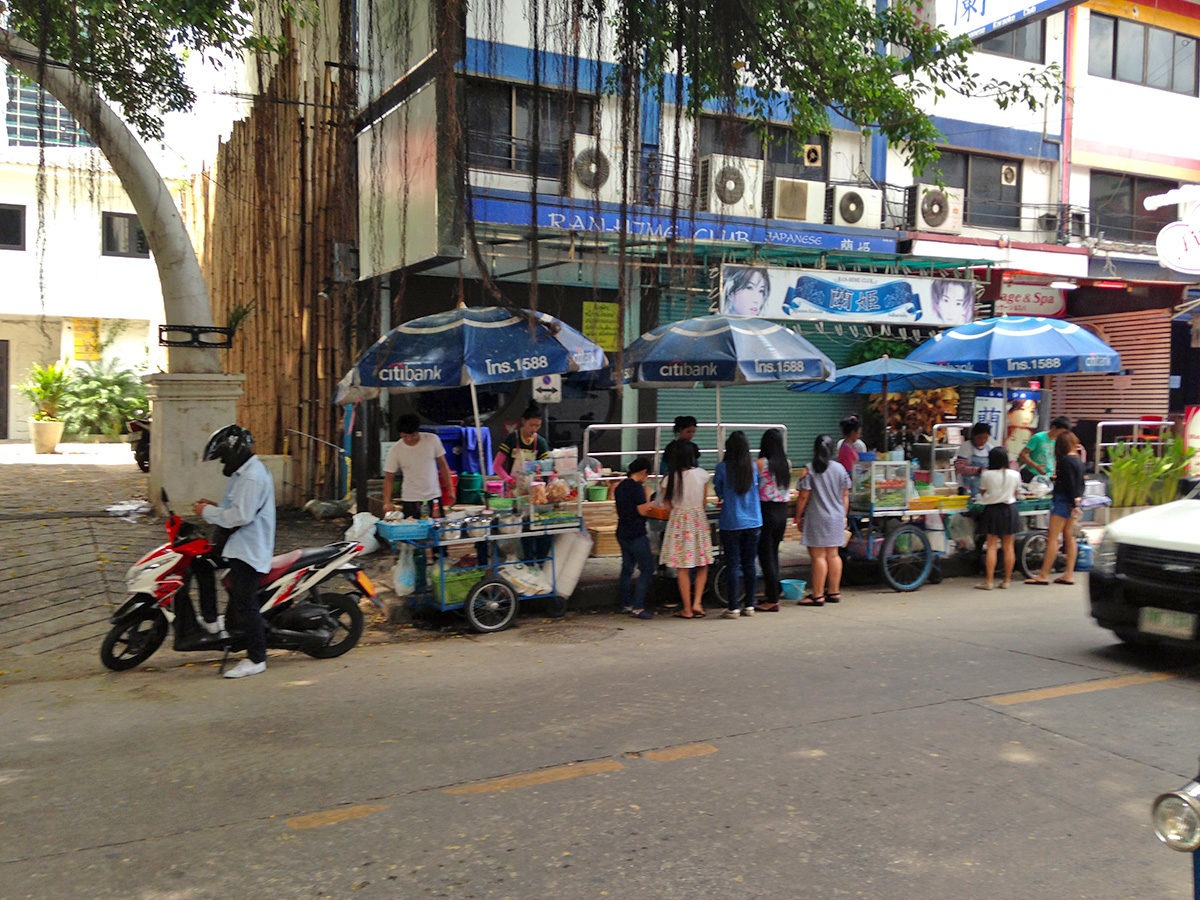 The stall with the most people waiting is usually the best one. Just start lining up :) - street food in Bangkok