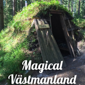See what it's like to stay in a tiny hut in the forest, in the middle of nowhere, in Västmanland, Sweden. Here comes the real adventure! Spoiler alert: moose spotting!