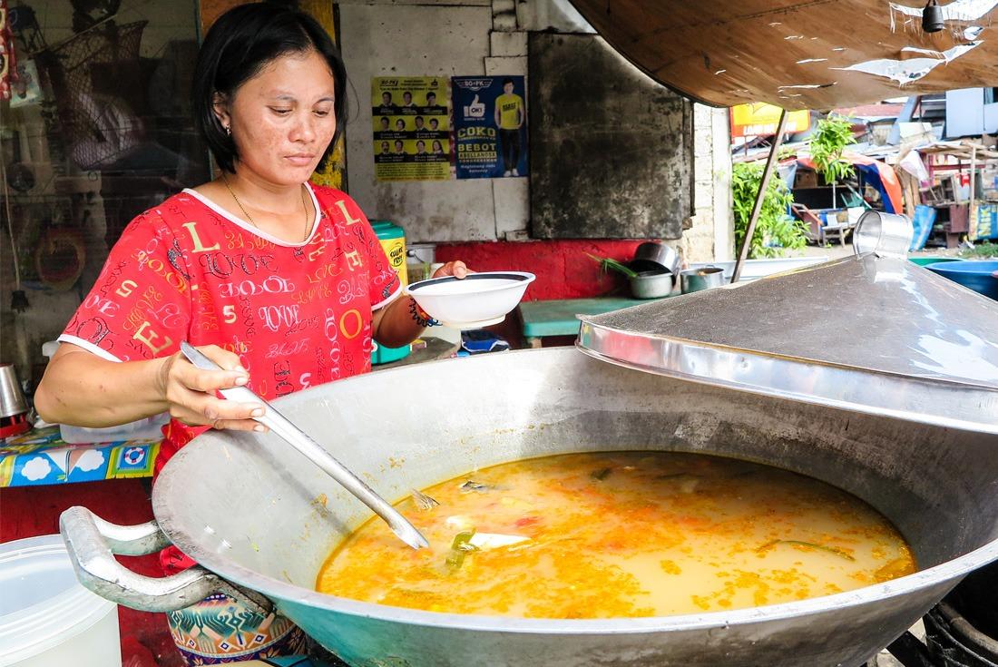 Filipino Nilarang soup in a giant pot in Cebu City Philippines www.travelgeekery.com