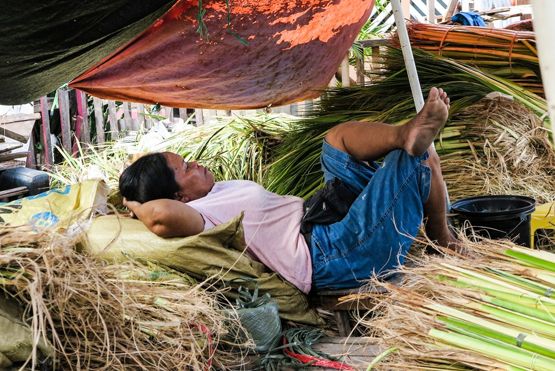 A lady napping in Cebu City, Philippines www.travelgeekery.com