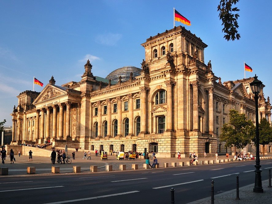 All You Need to Know about Visiting Berlin's Reichstag ...