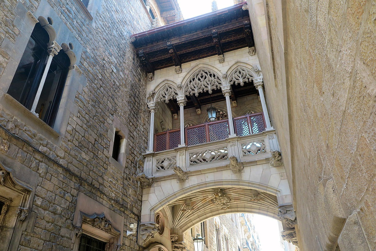 Bridge in Calle del Bisbe with many non-functional elements, Gothic Quarter, Barcelona