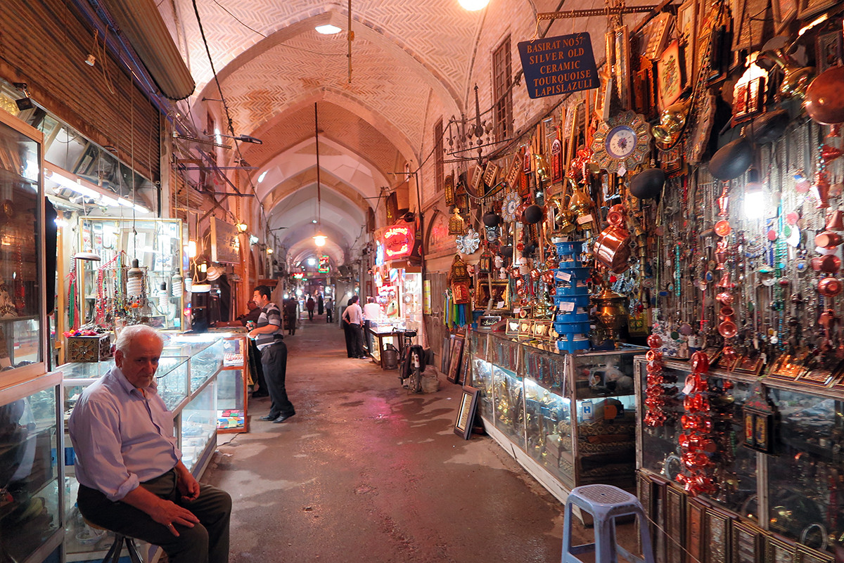Esfahan's main bazar in the morning