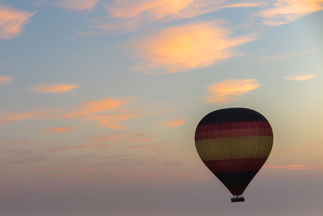 Hot air ballooning in Dubai