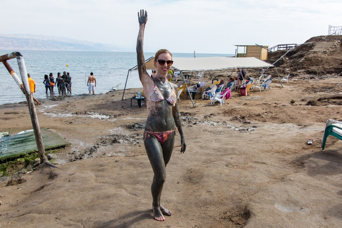 Covering the whole body in the rich Dead Sea mud