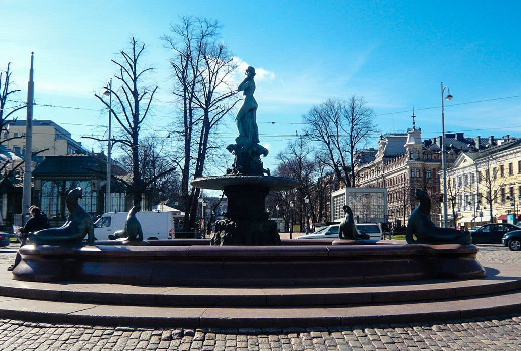 Havis Amanda Statue in Helsinki (picture taken NOT during Vappu)