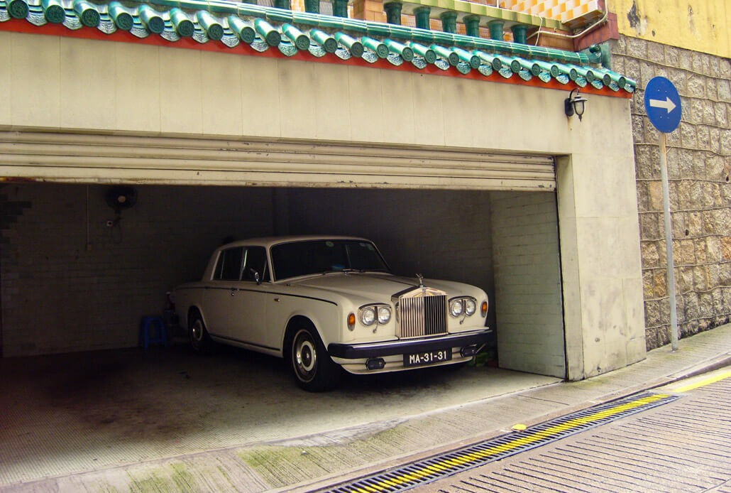 A gem in a garage in Macau: Rolls Royce
