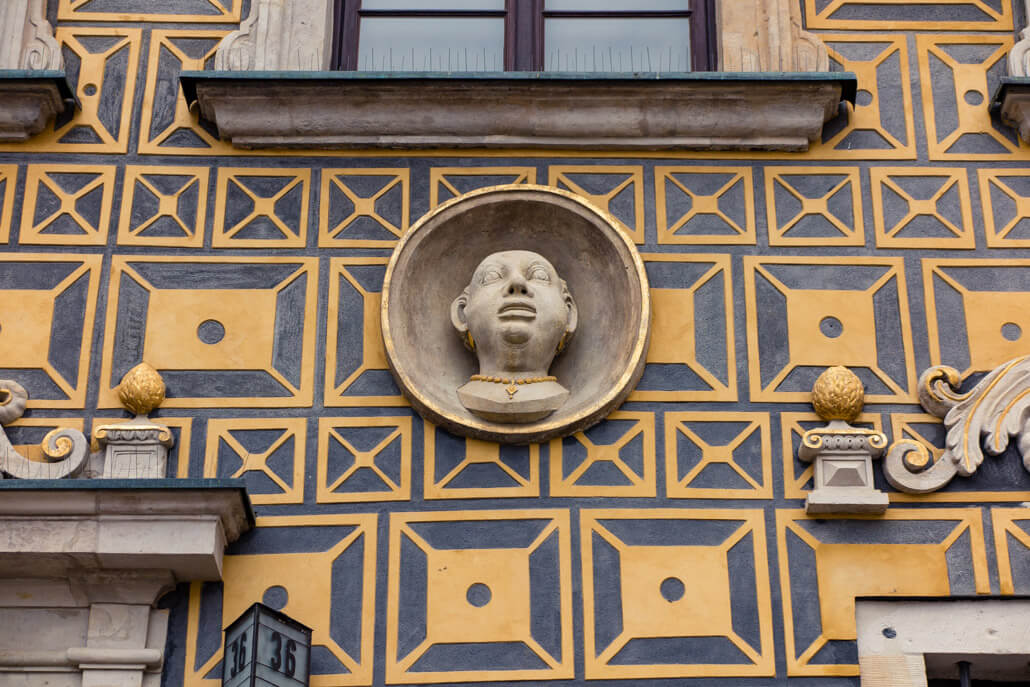 Details on Old Town House Warsaw Poland