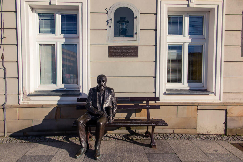 Statue of Ignacy Łukasiewicz Gorlice