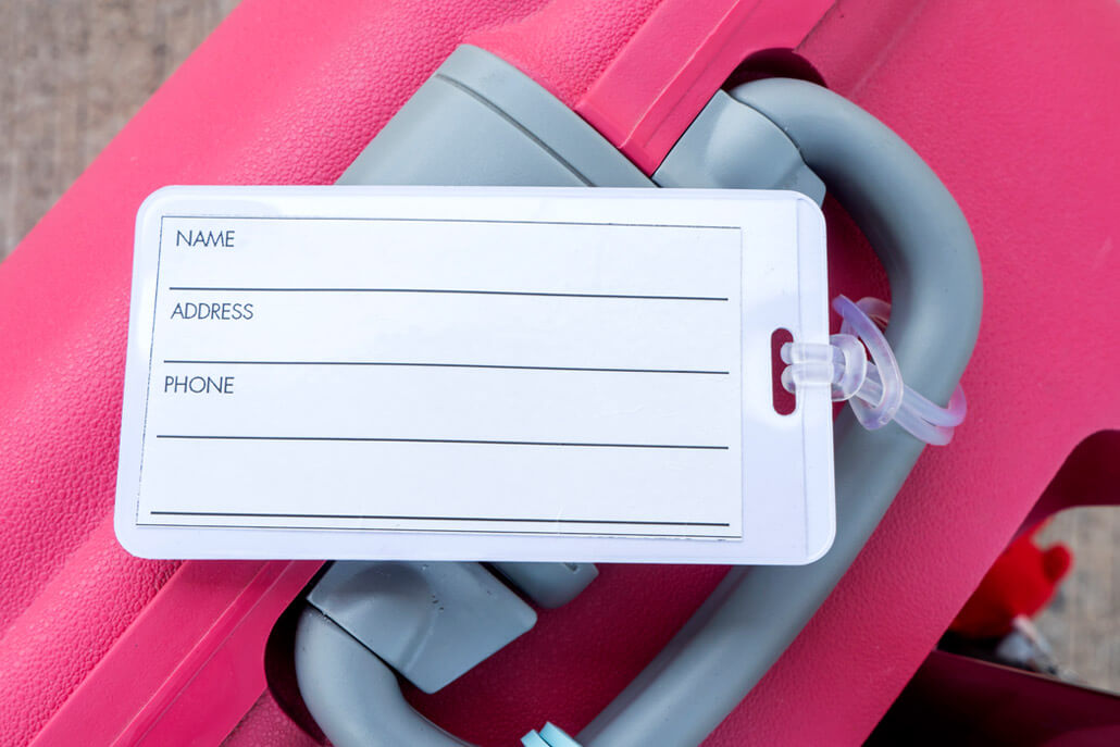 Traditional luggage tag