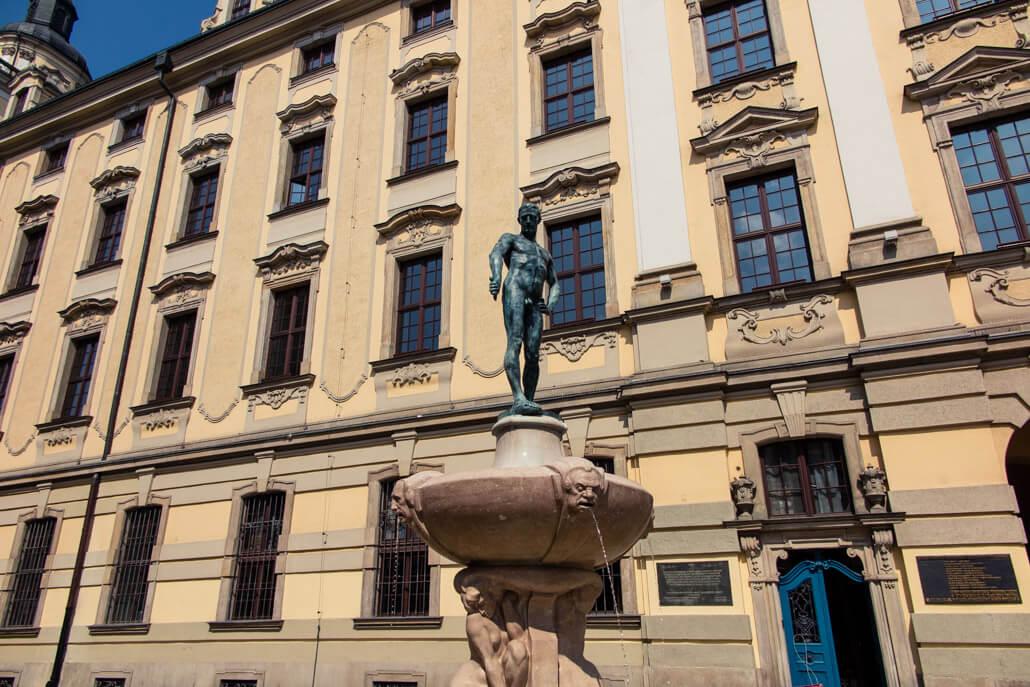 Swordsman statue Wroclaw