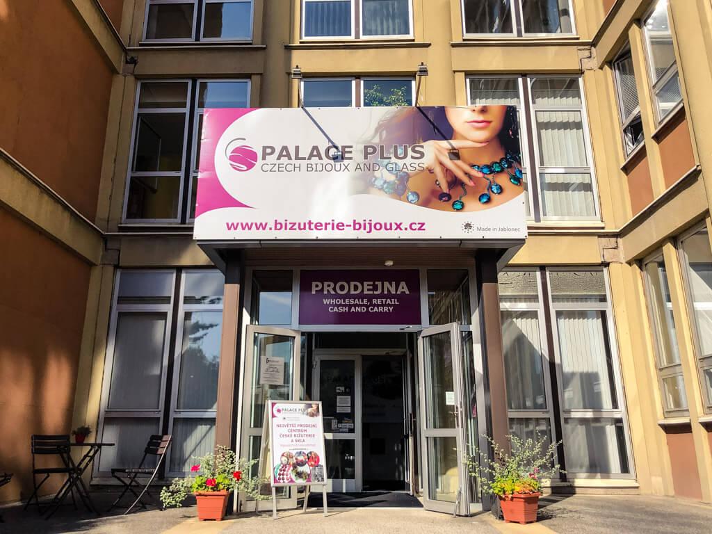 Budova stálé prodejní výstavy skla a bižuterie v Jablonci