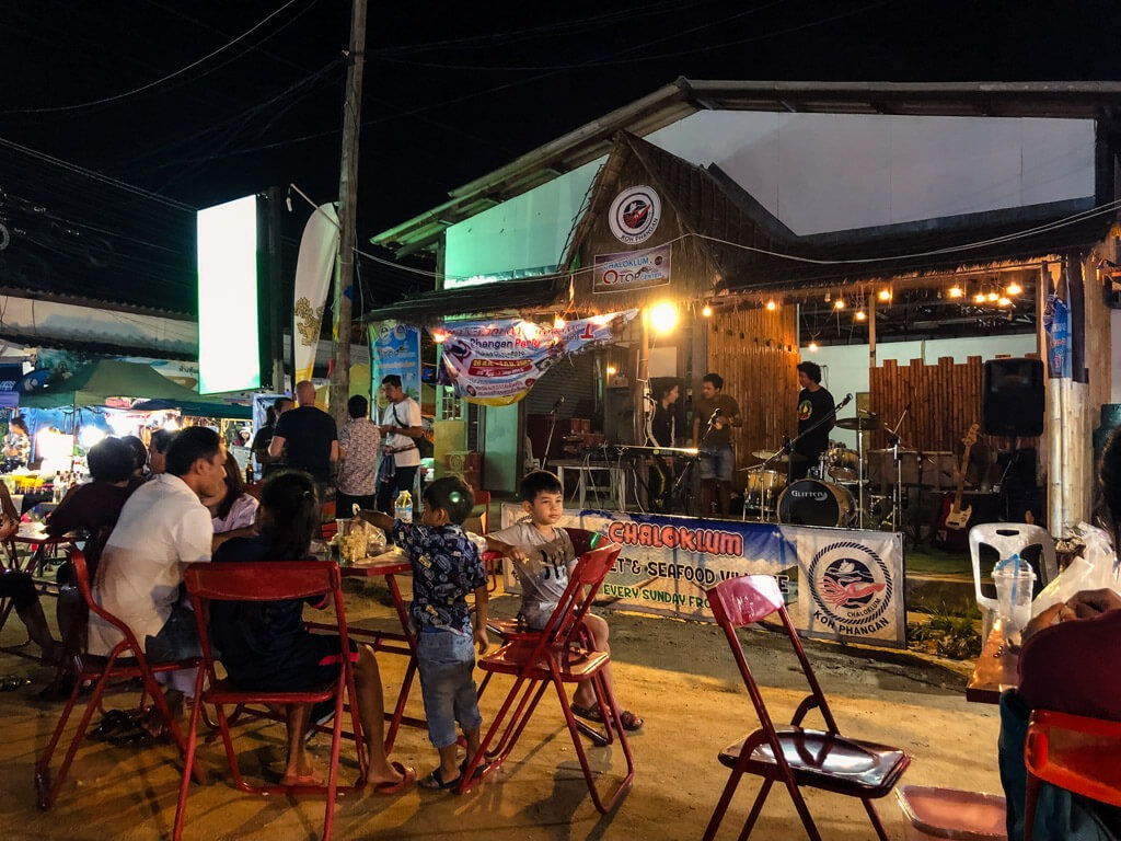 Live Thai Music on a Market