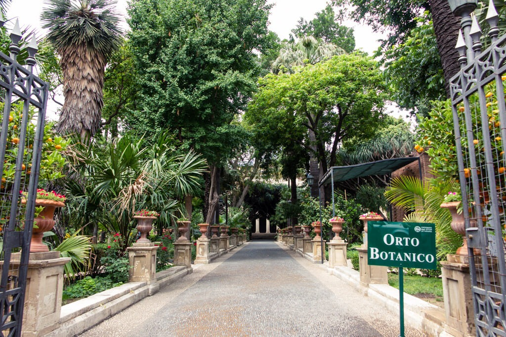 Entering Catania Botanical Garden