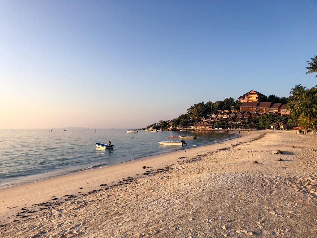 Long sandy beach - Haad Yao in Koh Phangan