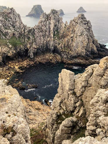 Cliffside views of Pointe de Pen Hir