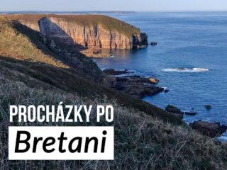 Mořské útesy a text: Procházky po Bretani