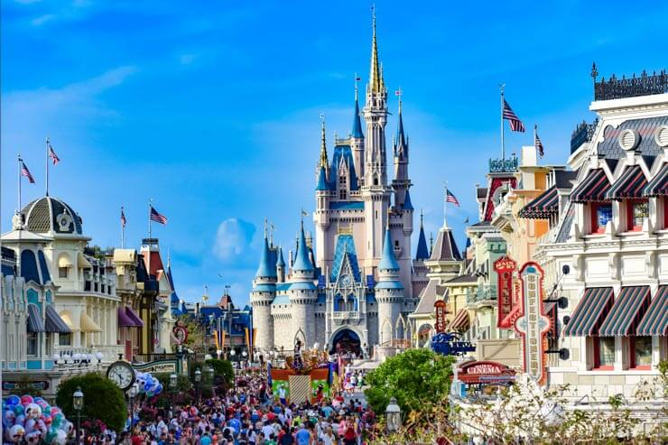 Crowds at the Magical Kingdom Disney World
