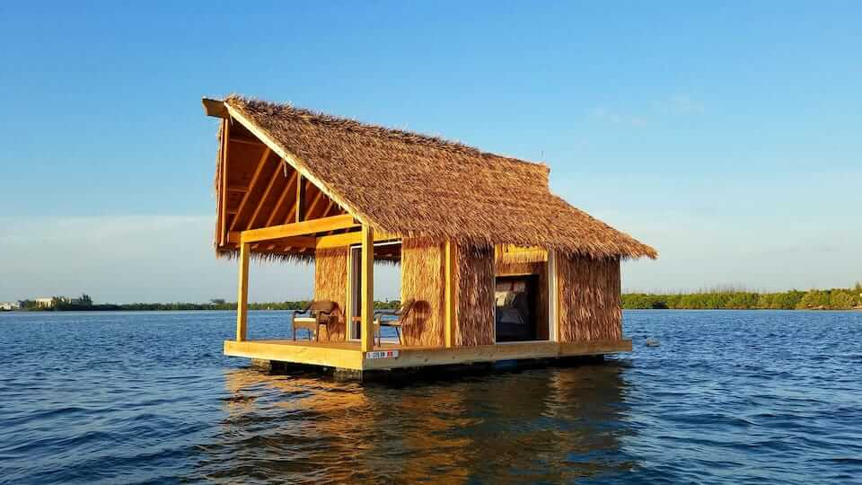 A small floating house